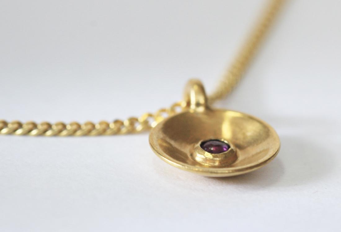 Taufkette Gold mit Stein